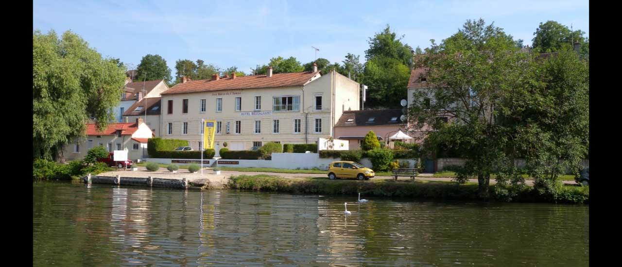 Les Rives De L Yonne Hotel